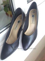 Туфли черные классические на шпильке