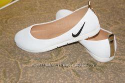 Балетки Nike, спортивная обувь, босоножки, туфли,