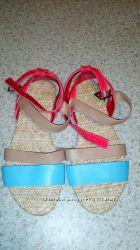 Мега стильные фирменные бооножки сандали