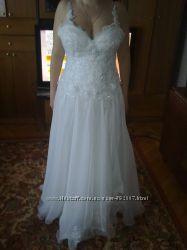 Свадебное платье. Ручная работа. Отличное состояние.