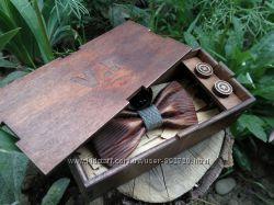 Бабочка галстук дерево ручной работы под заказ именная коробочка  запонки