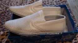 Туфли светлые абсолютно новые