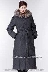 Женское пальто на синтепоне с капюшоном с утонченным силуэтом и поясом