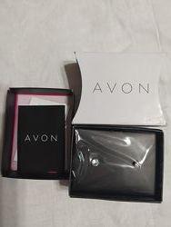 Очень симпатичные серёжки ф. AVON. Новое в упаковке.