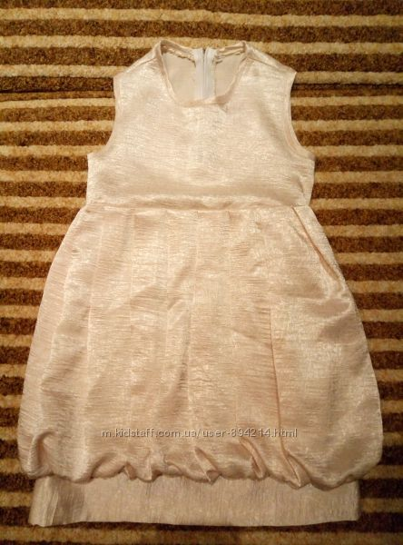 продам платье на 3-5 лет