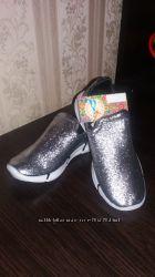 серебристые кроссовки текстильные для девочки 32-37р.