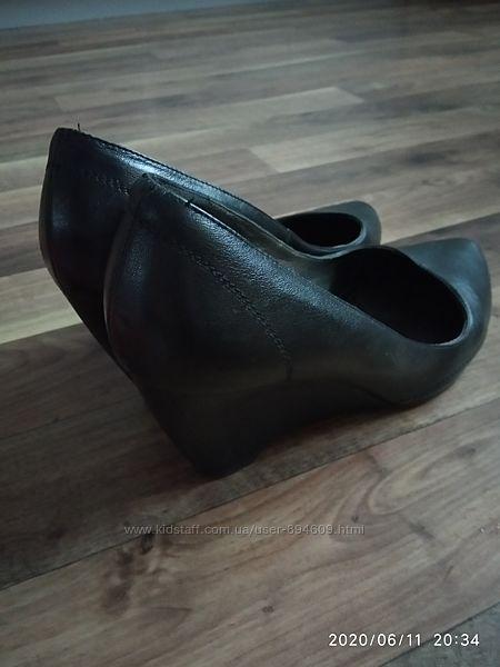 Туфлі шкіряні зручні і красиві
