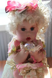 Продам интерьерную куклу фарфор