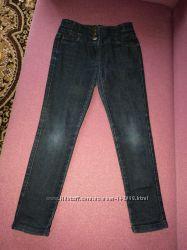 Продам джинсы для девочки на 9 лет