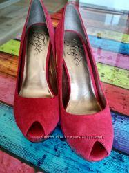 Замшевые туфли Fergie 8, 5 размер