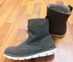 Продам демисезонные ботинки в стиле Zara 33 размер