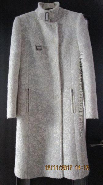 Осеннее элегантное пальто 46р