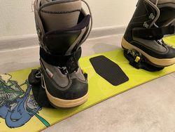 Сноубордическая доска с ботинками