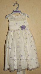 Продам платье шикарное праздничное на 2-3 годика
