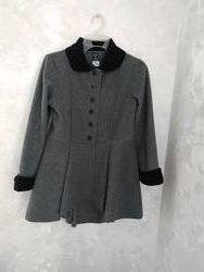 Продам школьное  флисовое пальто на девочку 8 лет