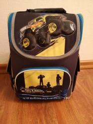 Рюкзак Kite школьный каркасный Hot Wheels HW14-501-2K