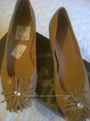 Саламандра новые туфли р. 396, стелька 25, 5 см, на маленьком каблучке. н