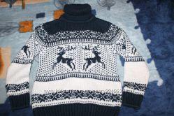 свитер кофта вязанный. олени. 128 рр на 8 лет. Турция