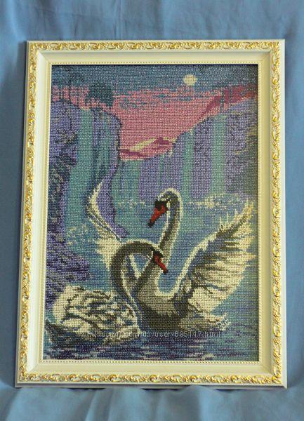 Картина бисером Верность лебедей