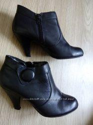 Кожаные ботинки ботильены 38р.