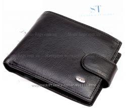 Мужской черный кожаный бумажник с застежкой
