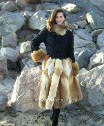 Шубка из каракуля с меховой юбкой из лисы