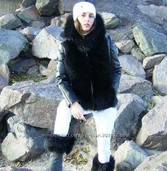 Зимняя куртка из кожи с енотом