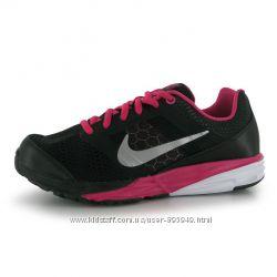 Кроси, Кроссовки Nike Tri Fusion