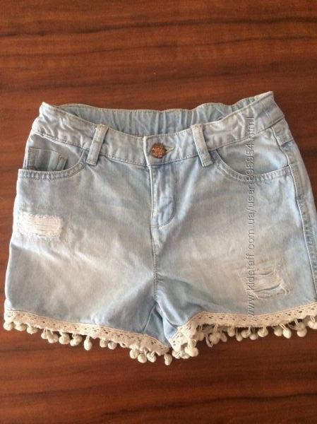 Джинсовые шорты с помпончиками для девочки