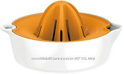 Соковыжималка для цитрусовых Fiskars Functional Form 1016125