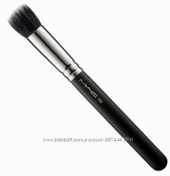 Кисть MAC 130 Shirt Duo Fiber Brush и МАС 135 Large Flat Powder Brush