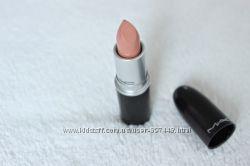 Помада MAC Cremesheen Lipstick Creme DNude