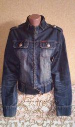 Женская куртка, ветровка