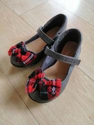 Красивые туфли с бантом
