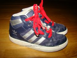 Демисезонные ботинки Adidas оригинал р. 12 30 18, 5 см по стельке