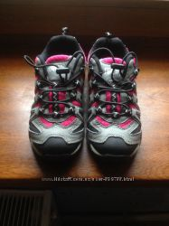 кроссовки с удобной шнуровкой 31p
