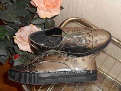 Туфли, кеды  Claudia Ghizzani