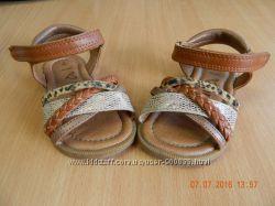 Шкіряні сандалики next 4