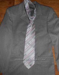 Нарядный костюм для школьника,  университет. Галстук в подарок