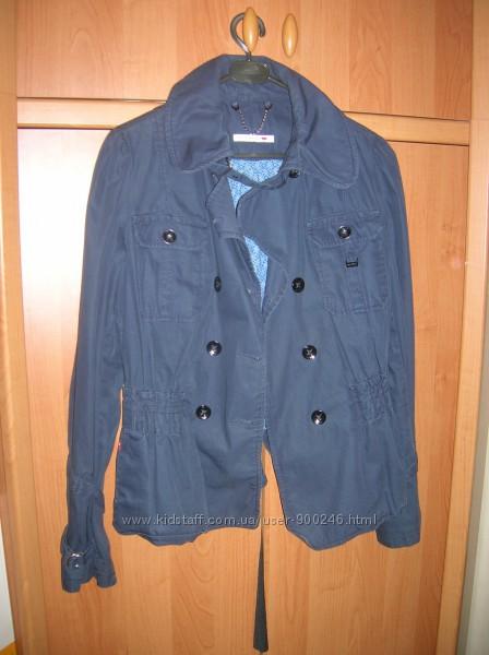 Куртка  LEVI STRАUSS & СO, р. S из  США