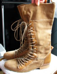 Жіночі чобітки ZARA