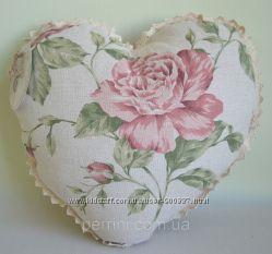 декоративные подушки-сердца