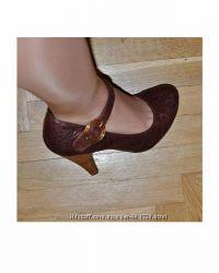 Очень аккуратные удобные туфли с круглым носком с ремешком каблук 10 см