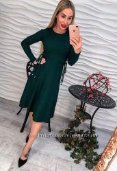 9bd3f2bd9f9 Трикотажное теплое платье в рубчик длинный рукав с завязками длина миди