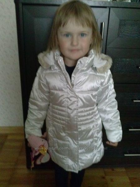 Белоснежная курточка на 2-3 года
