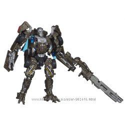 Hasbro. Transformers. Машинки-трансформер. Эпоха Истребления Локдаун Вояжер