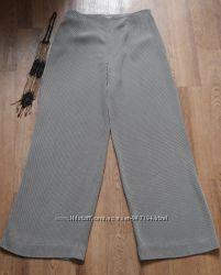 Стильные брюки , кюлоты  Weill.