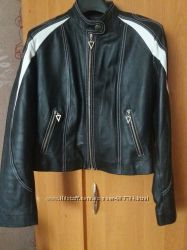 Крутая модная кожаная куртка