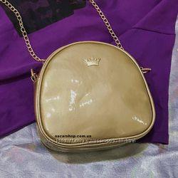 Золотая стильная сумочка на цепочке. Женский клатч сумка