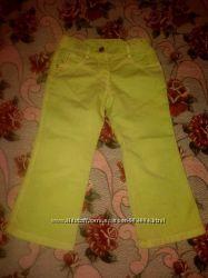 Продам джинсы на девочку Armani